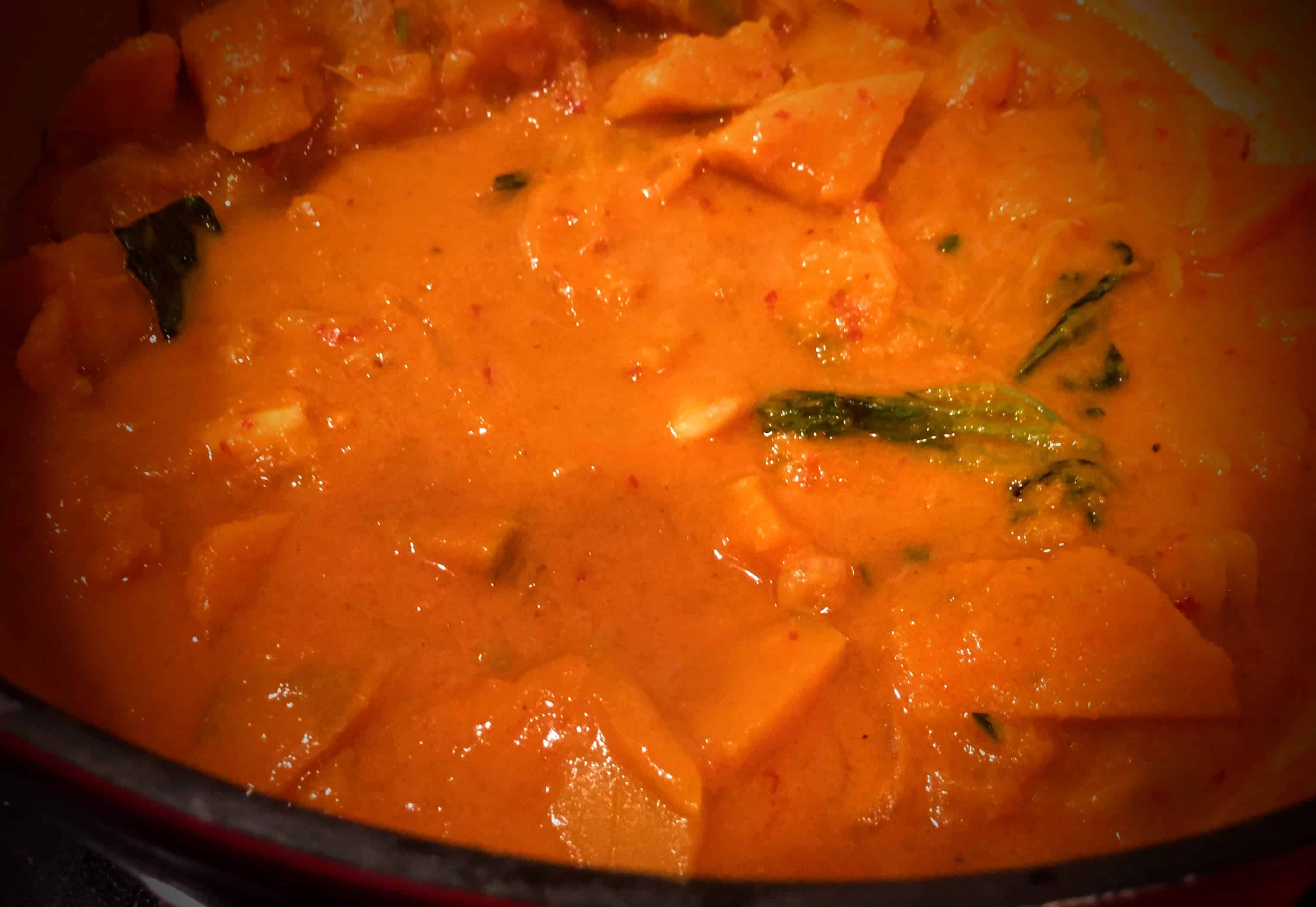 full_size_paleo-pumpkin-curry-in-paleo-coconut-curry-sauce_made_from_homemade_paleo_red_curry_paste