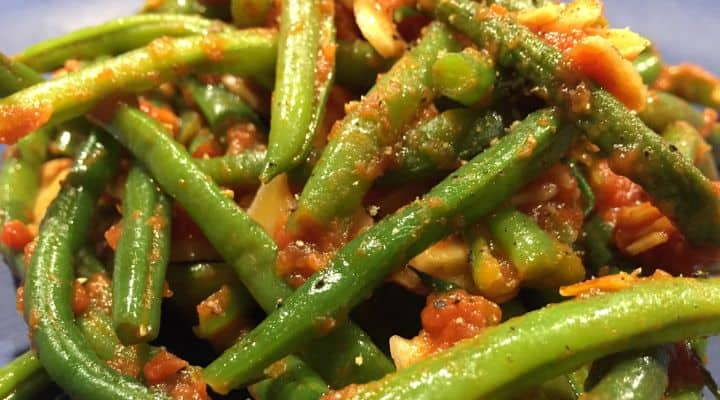 photo of the finished GAPS, Whole 30, Paleo, SCD Green Beans Recipe with Almonds and Tomato